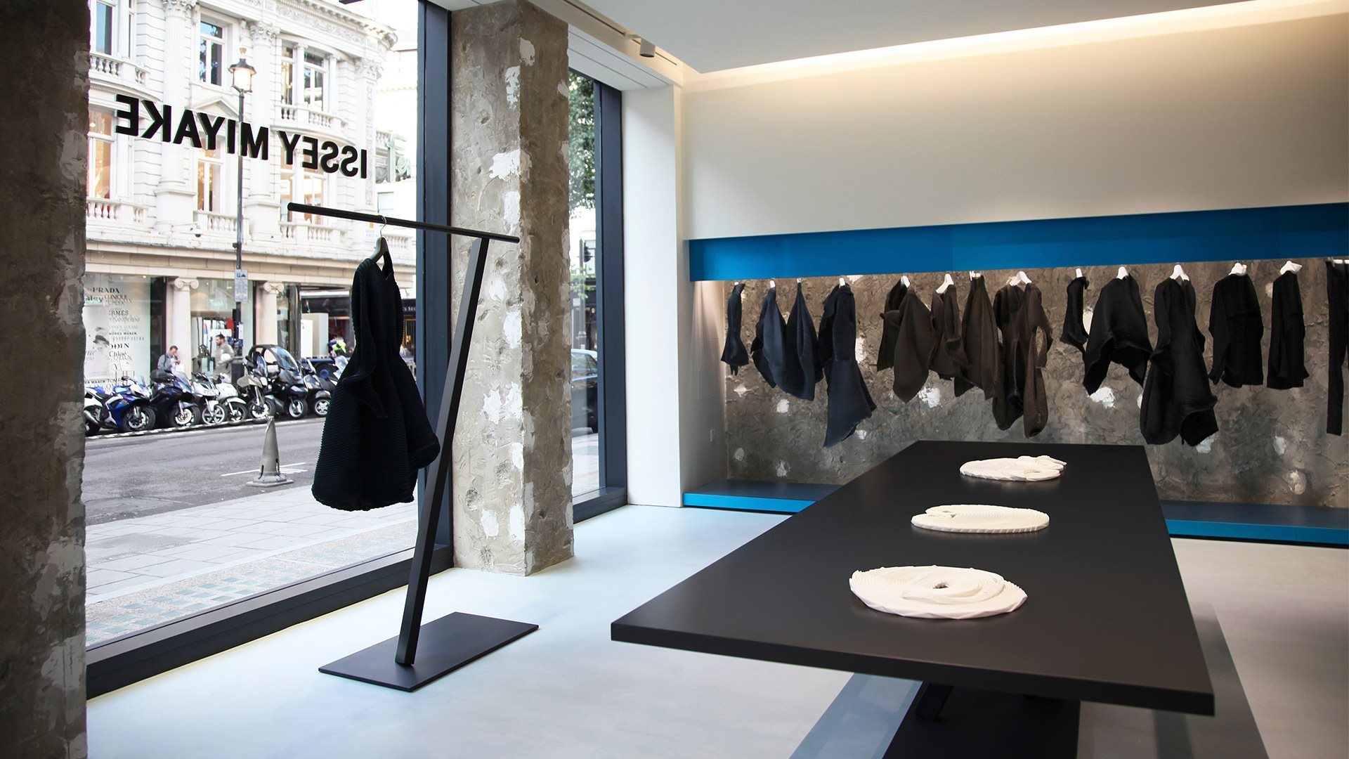 GALLERY_IsseyMiyake_London
